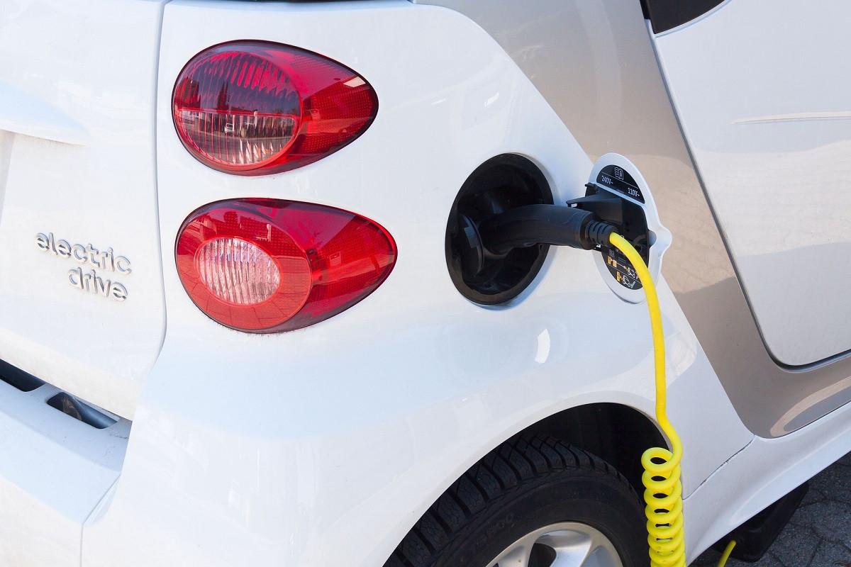 dvejcbrn-subsidie-elektrische-auto-2020